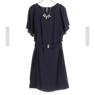 イェッカヴェッカ(YECCA VECCA)のネックレス&ベルト付きドレス  ネイビー(ミディアムドレス)