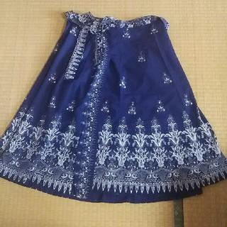 バティック 巻きスカート(ひざ丈スカート)