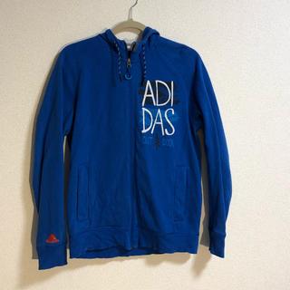 アディダス(adidas)のadidas 青 パーカー(パーカー)