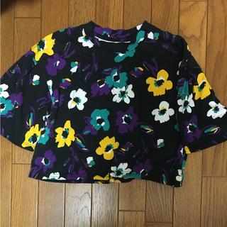 スライ(SLY)のSLY 花柄 ショート丈Tシャツ(Tシャツ(半袖/袖なし))