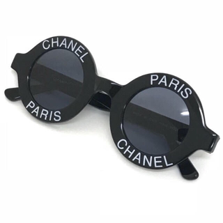 シャネル(CHANEL)の未使用 本物 シャネル  黒白サングラス ラウンドロゴ ヴィンテージ   レア(サングラス/メガネ)