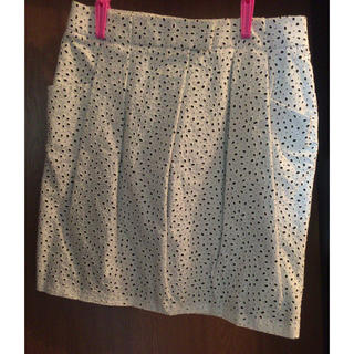 アマカ(AMACA)のAMACAスカート(ひざ丈スカート)