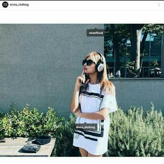 オフホワイト(OFF-WHITE)のローラさん 3代目JSB山下健二郎さん着用 ELVIRA フレームTシャツ 白(Tシャツ/カットソー(半袖/袖なし))