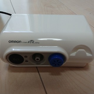 オムロン(OMRON)のオムロン 吸入器  中古(その他)