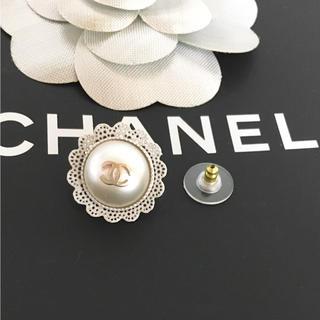 シャネル(CHANEL)の正規品 シャネル ピアス 片方 パール ゴールド ココマーク 金 真珠 レース(ピアス)
