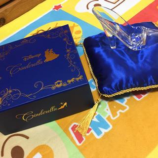 ディズニー(Disney)のシンデレラガラスのくつ。(置物)