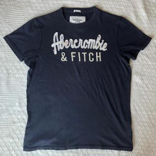 アバクロンビーアンドフィッチ(Abercrombie&Fitch)のアバクロンビー&フィッチ メンズ アップリケロゴ ネイビー(Tシャツ/カットソー(半袖/袖なし))
