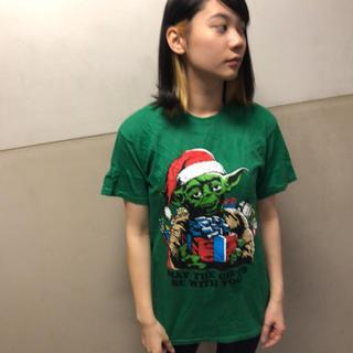 ディズニー(Disney)のスターウォーズ  Tシャツ  グリーン  メリークリスマス   ヨーダ  ♢31(Tシャツ/カットソー(半袖/袖なし))