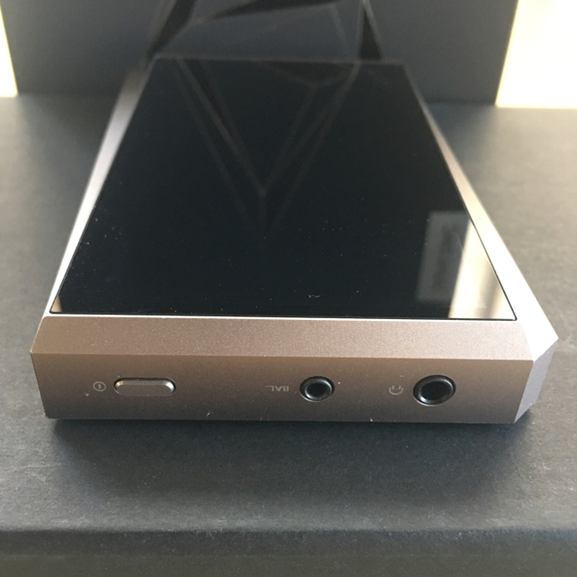 iriver(アイリバー)のIRIVER AK320 128GB ガンメタル ※kyosyoku 様専用 スマホ/家電/カメラのオーディオ機器(ポータブルプレーヤー)の商品写真