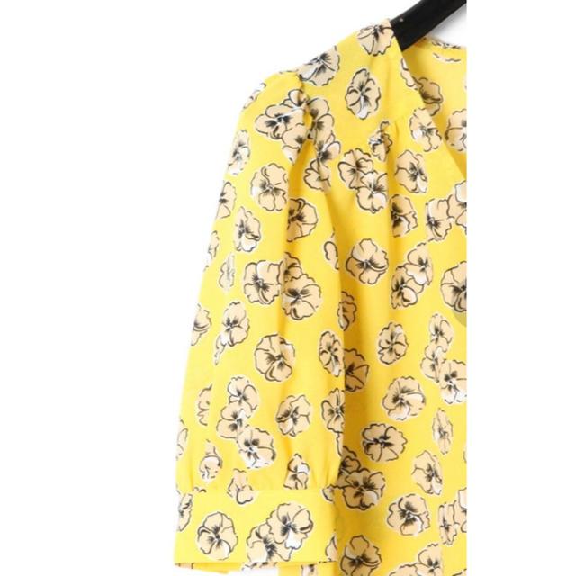 GRACE CONTINENTAL(グレースコンチネンタル)の18SS グレースコンチネンタル スモールフラワープリントブラウス レディースのトップス(シャツ/ブラウス(半袖/袖なし))の商品写真