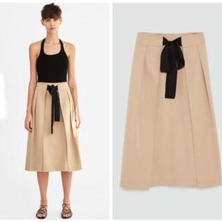 ザラ(ZARA)の今季 18ss ザラ コントラストリボン付きスカート(ひざ丈スカート)