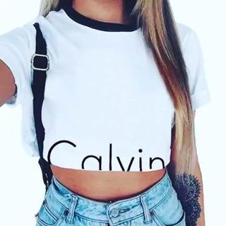 ショート丈 Tシャツ