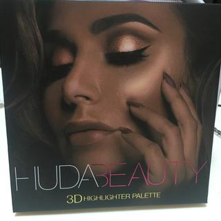 セフォラ(Sephora)のHuda beauty golden sands ヒューダハイライターパレット(フェイスカラー)