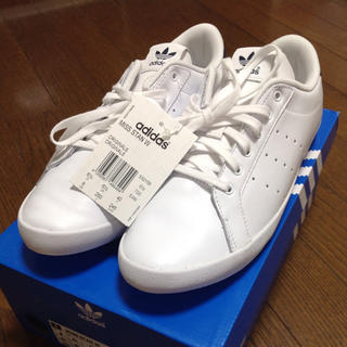 アディダス(adidas)の⭐️新品⭐️ アディダス ミススタン 25.0【送料込み】(スニーカー)