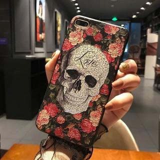 iPhone7 iPhone8 浮き彫り ドクロ バラ ソフトケース(iPhoneケース)
