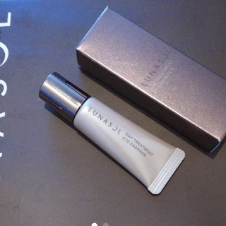 ランコム(LANCOME)のルナソル デイトリートメントアイエッセンス 目元美容液 10グラム(アイケア / アイクリーム)