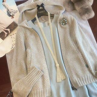 フォクシー(FOXEY)の美品  ローゲージ ニットパーカー38  2017  完売品(カーディガン)