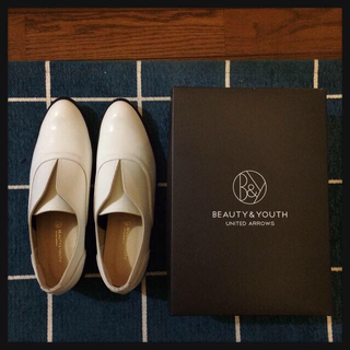 ユナイテッドアローズ(UNITED ARROWS)の未使用*白 スリッポン(ローファー/革靴)