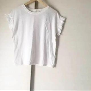 ザラ(ZARA)の袖フリンジ Tシャツ(Tシャツ(半袖/袖なし))