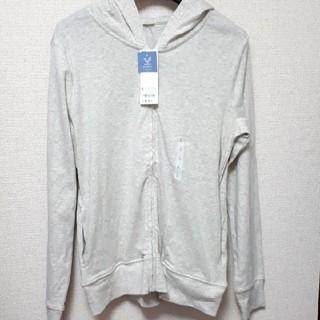 ジーユー(GU)の未使用 GU UVカットフルジップパーカ 長袖 Lサイズ カラー:ナチュラル(パーカー)