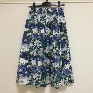 シマムラ(しまむら)の新品☆しまむら 花柄スカート(ひざ丈スカート)