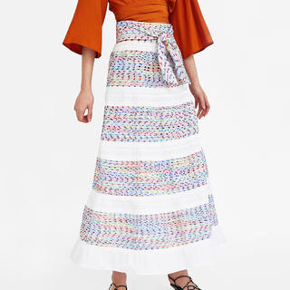 ザラ(ZARA)のカラフルが可愛い❗️ZARA 新品 ロングスカート(ロングスカート)