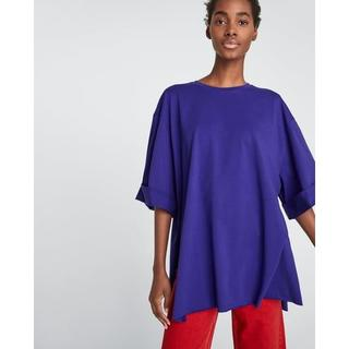 ザラ(ZARA)の新品 完売品 ZARA M サイドスリット入り オーバーサイズ Tシャツ(Tシャツ(半袖/袖なし))