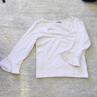ザラ(ZARA)のZARA ホワイトフリルトップス(Tシャツ(半袖/袖なし))
