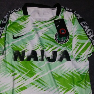 ナイキ(NIKE)の即決送料無料Nikeナイキサッカーナイジェリア代表プラクティス(ウェア)