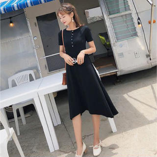 カットソー ワンピ 黒 ラウンドネック 半袖 裾(ひざ丈ワンピース)