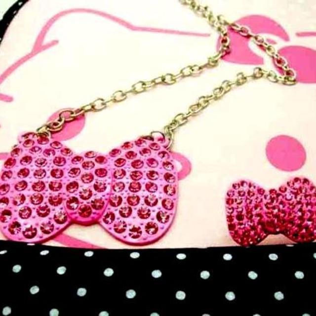 サンリオ(サンリオ)のハローキティ ピンクラインストーンリボン型ネックレス&リング レディースのアクセサリー(ネックレス)の商品写真