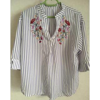しまむら - 刺繍スキッパーシャツ