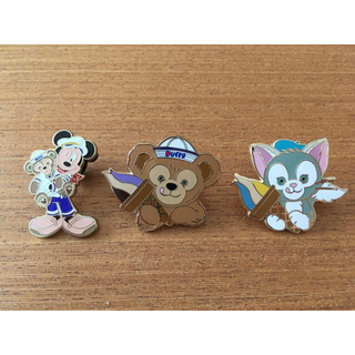 Disney - 【Qちゃん様 専用】ピンバッジ