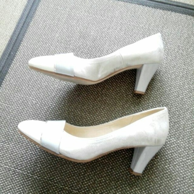 Le Talon(ルタロン)のはやママ様専用ルタロン 配色 パンプス シルバー イエナ 37.5 24.5 レディースの靴/シューズ(ハイヒール/パンプス)の商品写真