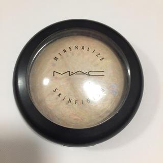 マック(MAC)のハイライト(フェイスパウダー)