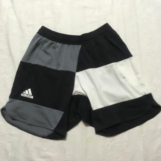 アディダス(adidas)のアディダス マルチカラー ショートパンツ(ショートパンツ)