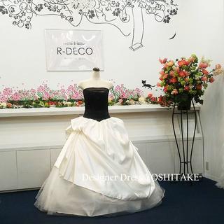 ブラック&ホワイト ウエディングドレス(パニエ無料) 二次会/披露宴(ウェディングドレス)