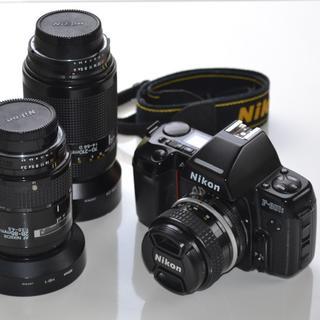ニコン(Nikon)のNikon F-801s AF一眼レフ35mmフィルムカメラと交換レンズ3種(フィルムカメラ)