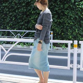 ドゥーズィエムクラス(DEUXIEME CLASSE)の新品未使用👖デニム ダメージタイトスカート(ひざ丈スカート)