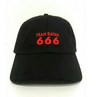 シックスシックスシックス(666)のTEAM SATAN 666 skeatebording キャップ(キャップ)