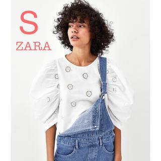 ザラ(ZARA)の新品未使用 ZARA 刺繍 レース ボリュームスリーブ ブラウス S(シャツ/ブラウス(半袖/袖なし))