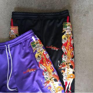 シュプリーム(Supreme)のdoublet chaos embroidery track pants(その他)