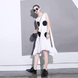 今期大流行 サイドライン♥︎大きな水玉ドット 裾フリル ワンピース(ひざ丈ワンピース)
