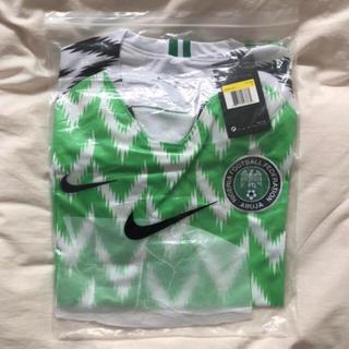 ナイキ(NIKE)のロシアワールドカップ2018で使用されるナイジェリア代表のユニフォームです。 (ウェア)