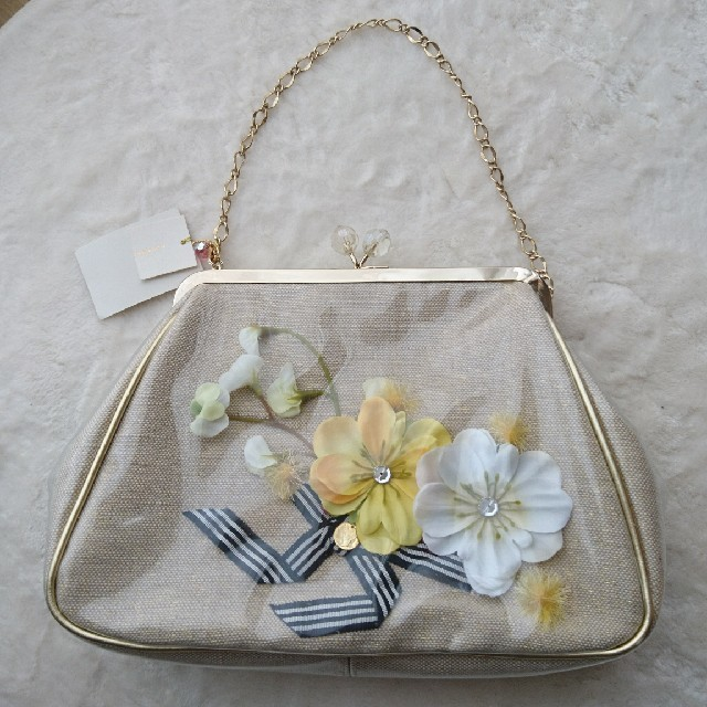 NOJESS(ノジェス)の【お値下げ】ノジェス パーティー バッグ がま口 タグつき レディースのバッグ(ハンドバッグ)の商品写真