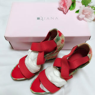 ダイアナ(DIANA)の新品未使用DIANA*花柄サンダル(サンダル)