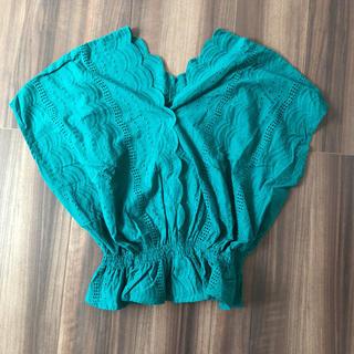 ジーユー(GU)のGU スカラップレースVネックブラウス Lサイズ(シャツ/ブラウス(半袖/袖なし))