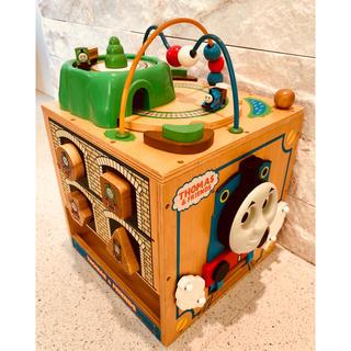 アガツマ(Agatsuma)のきかんしゃトーマス⭐︎木のよくばりビジーボックス(知育玩具)