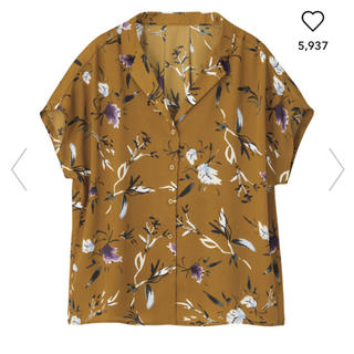 ジーユー(GU)のフラワープリントオープンカラーシャツ gu(シャツ/ブラウス(半袖/袖なし))