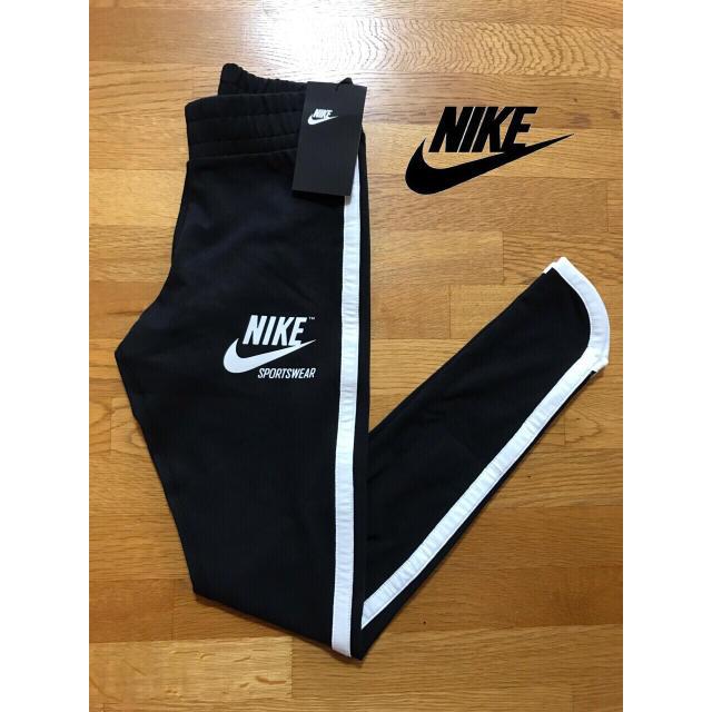 adidas(アディダス)の【新作】Nike アーカイブレギンス新品 レディースのレッグウェア(レギンス/スパッツ)の商品写真